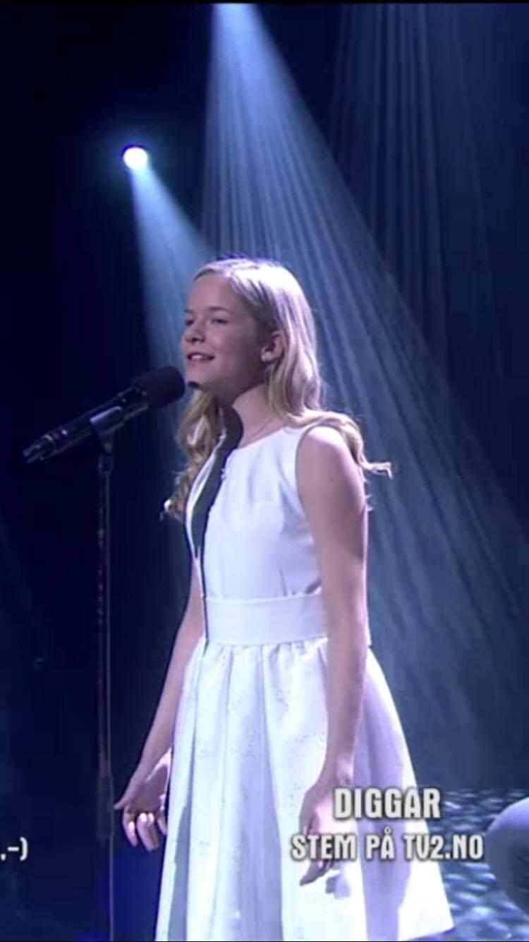653c10dd Skreddersydd kjole til Norske Talenter | Studio Stordahl